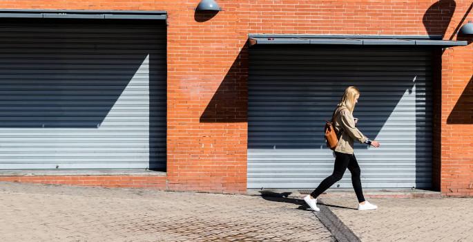 Häuserwand: Rollladen-Montage an Architektur anpassen